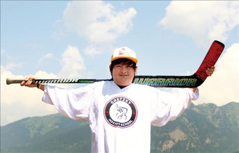 Hunter Cordier of St. Ignatius met and trained with his hero, hockey great Wayne Gretzky, while attending a hockey camp this summer in Idaho.