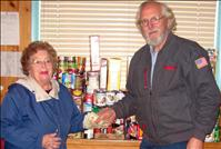 Valley Cruisers share food for Christmas