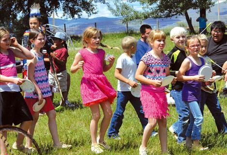 Valley View students share culture