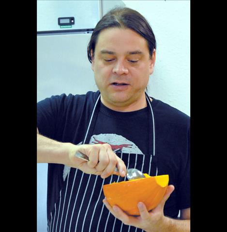 Sioux Chef Shawn Sherman demonstrates Native American style cooking