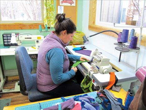 Community supports small businesses for holiday season