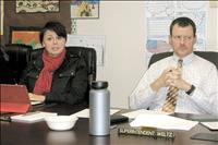 Unanimous vote opens negotiations for 3-year superintendent contract