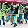 Women decked out in green walk the parade route in a homemade roller coaster. Story and photos by Karen Peterson Valley Journal see page 2 Emerald energy