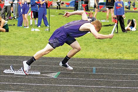 Charlo's Garett Vaughan jumps out to a quick start.