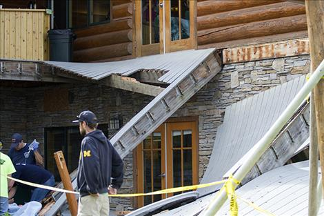 The collapsed deck fell a total distance  of 15  to 20  feet.