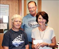 Retriever Club donates $500 to Life Savers  Animal Rescue