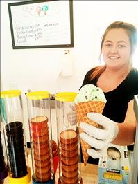 New ice cream shop offers 24 flavors