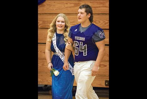 Vikings' sophomore queen and king Aspen Bauer and  Riley Richard.