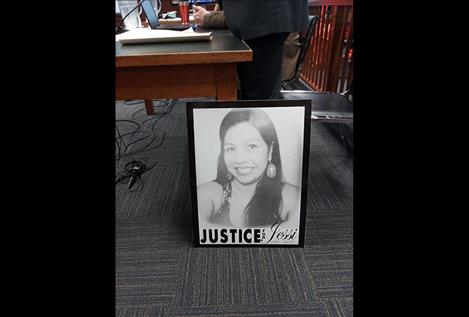 Bonnie Asencio brought a photo of her late sister, Jessi Qualtier, to court last week.