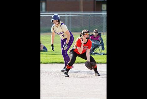 Lady Pirate Quinn Motichka looks to steal second base.
