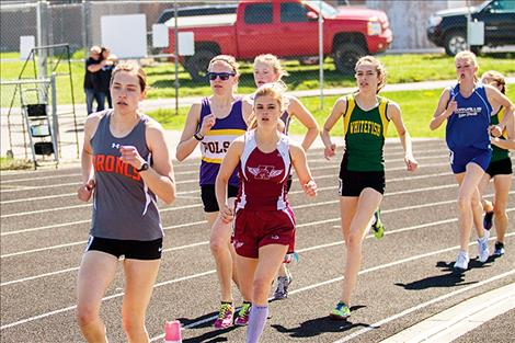 Lady Pirate Bea Frissell works her way through the pack during the 1600.