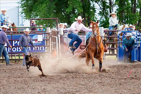 Colt Stonehocker competes in the tie down.