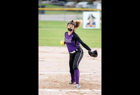 14U Polson Lakers' Nikki Kendall fires some heat on Friday evening.