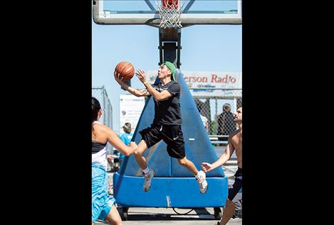 More than 800 players take to downtown streets for annual 3-on-3