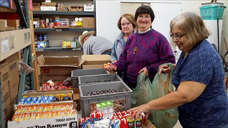 Good Shepherd Lutheran Church collects donations of 235 pounds of food for  backpacks that go home with fourth grade through high school age children.