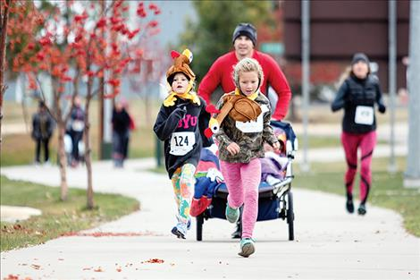 Runners from last year's Turkey Trot donned festive hats for the occasion.