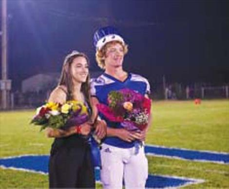 Mission Homecoming Queen Sydney Brander and King Layne Spidel pose for a quick photo.