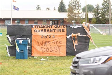The RHS freshmen class homecoming fence decorating entry.
