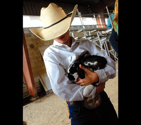 Trapper McAllister holds his lop, S'more.